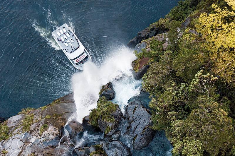 KJet, Jet Boat, Queenstown, Kawarau River, Shotover River, Lake Wakatipu, New Zealand, 360 spins Milford Sound, Combo
