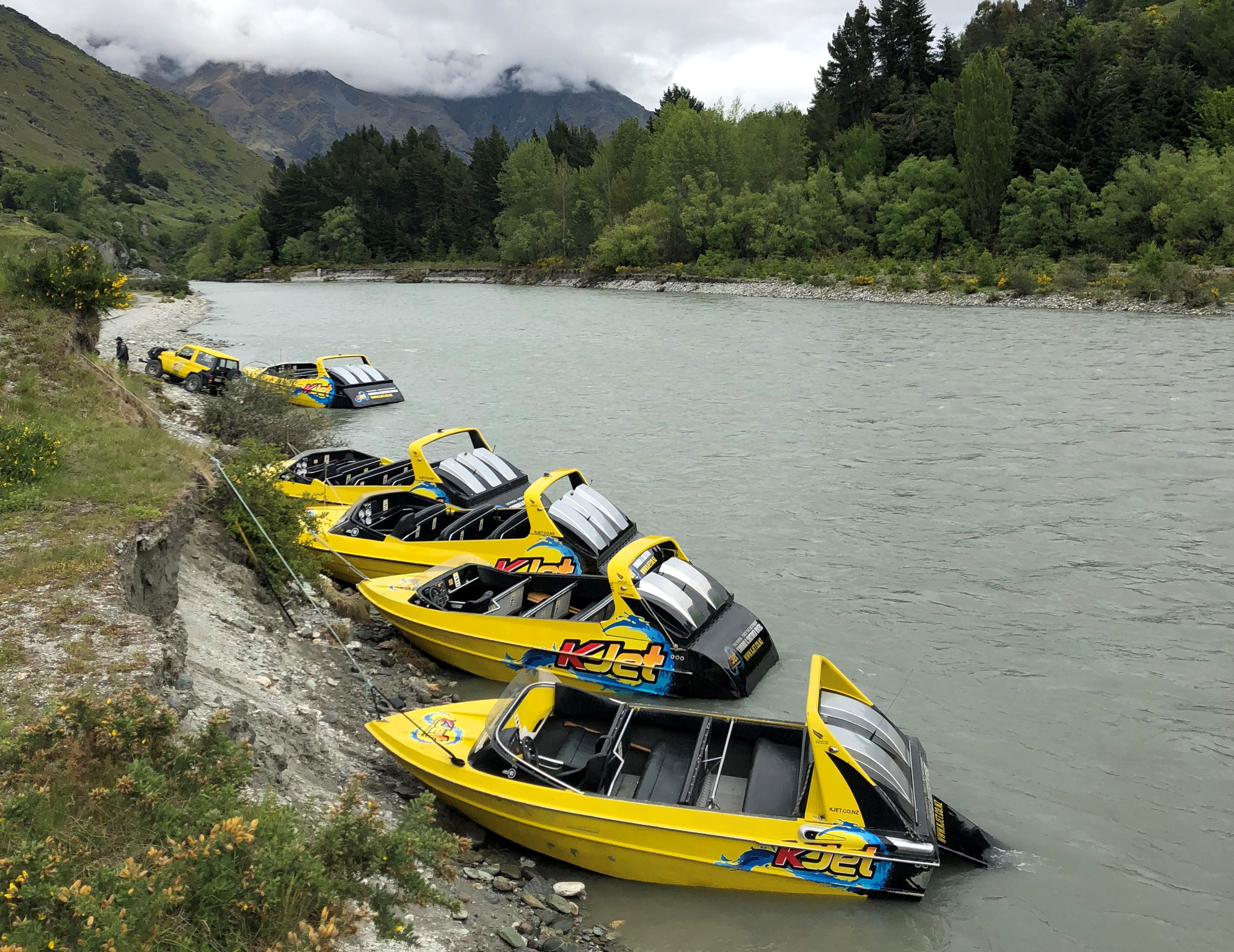 Mobile Jetty Jet Boating in Queenstown along the Shotover and Kawarau Rivers