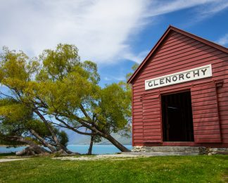 glenorchy red shed
